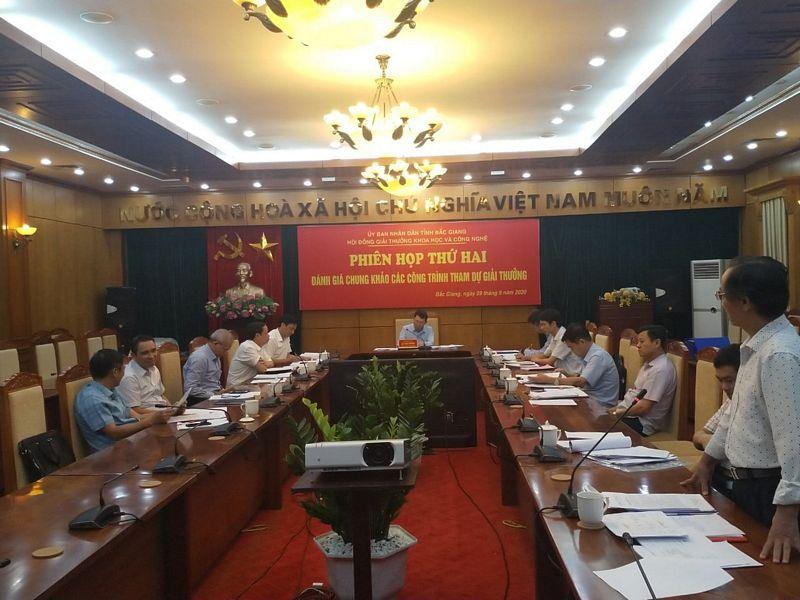 Hội đồng giải thưởng đánh giá chung khảo các công trình tham dự Giải thưởng Khoa học và Công nghệ tỉnh Bắc Giang